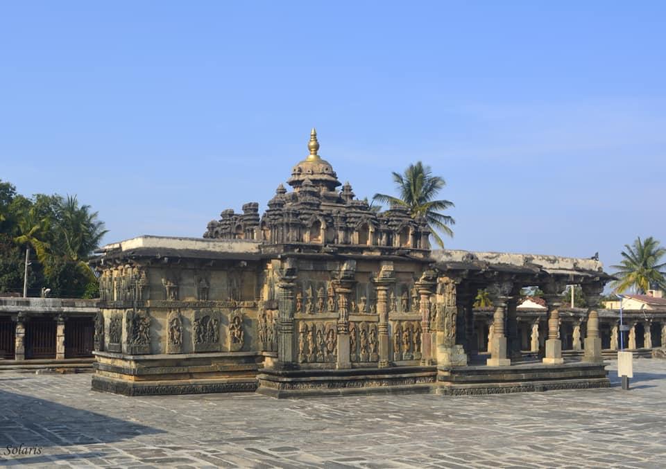 Belur - Ranganayakai temple