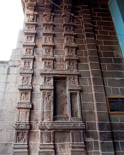 Bharat natyam poses on entrance pose